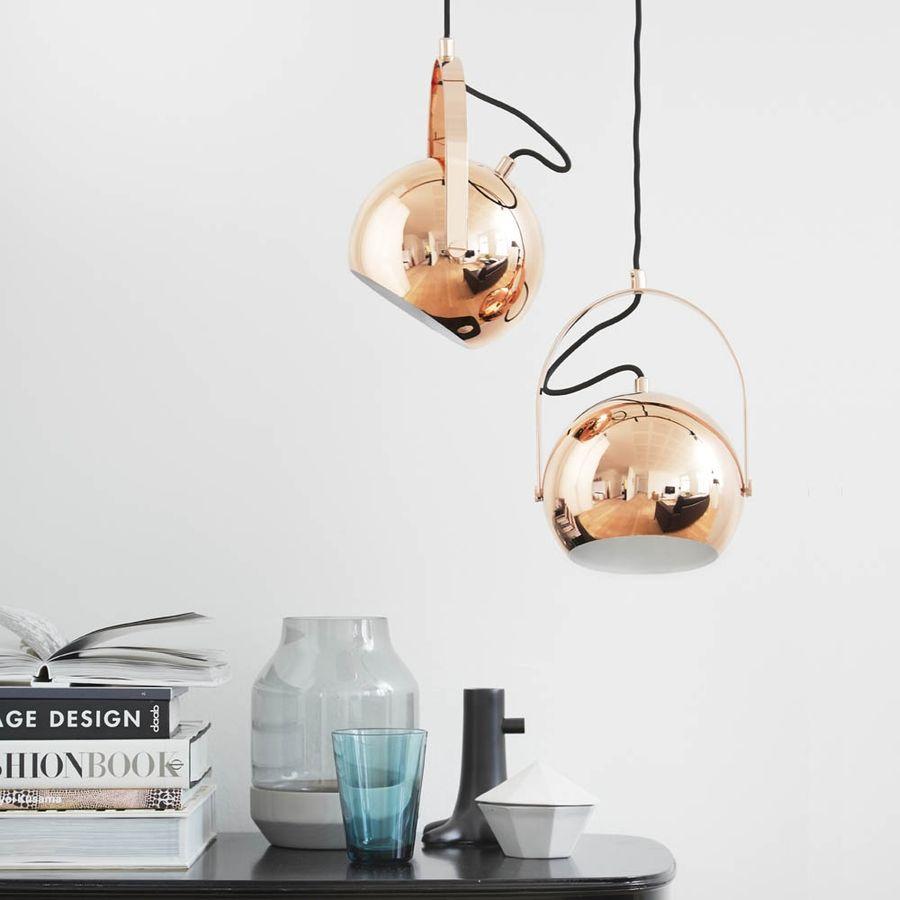 suspension ball hand en cuivre raphaele. Black Bedroom Furniture Sets. Home Design Ideas