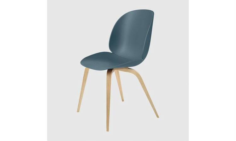 Chaise BEETLE polypropylène/base bois de Gubi