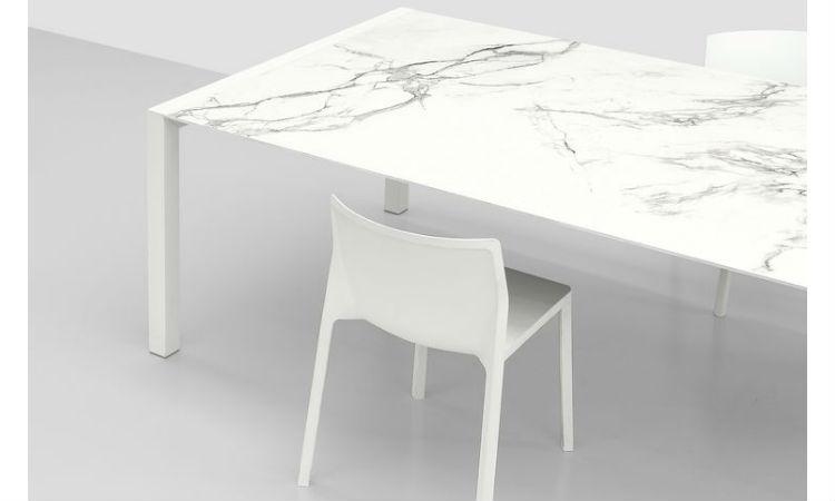 Table SUSHI de Kristalia, Bartoli Design
