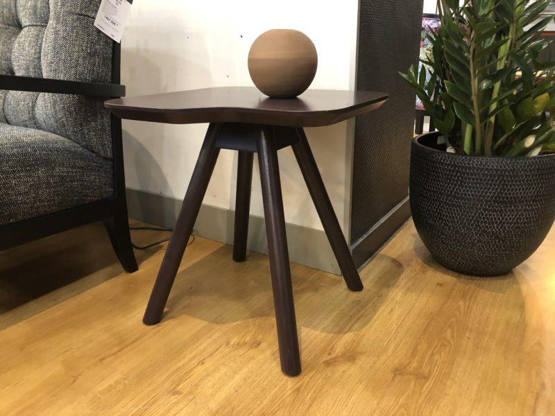 Petite table Akysmall -80% sur le modèle d'exposition