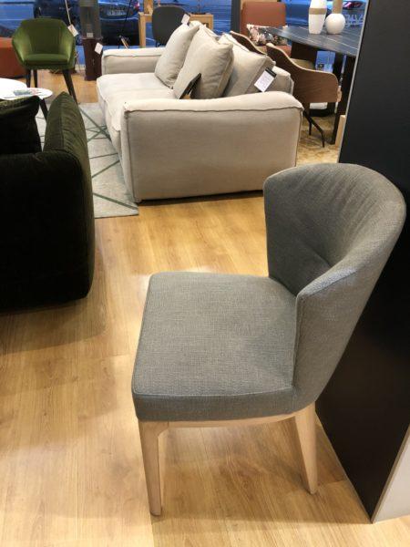 Lot de 6 chaises Scarlett de Papadatos à -50% en modèle d'exposition