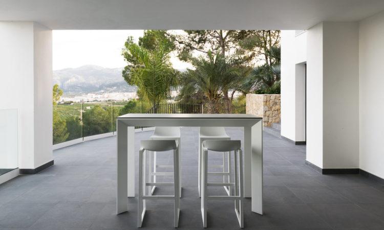 table et tabouret haut jardin