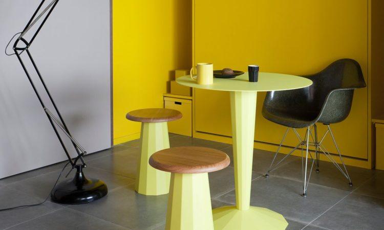table jaune métal